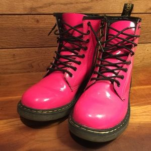 Dr. Martens Shoes - Dr. Martens Delaney Fuchsia Paten Leather for Kids
